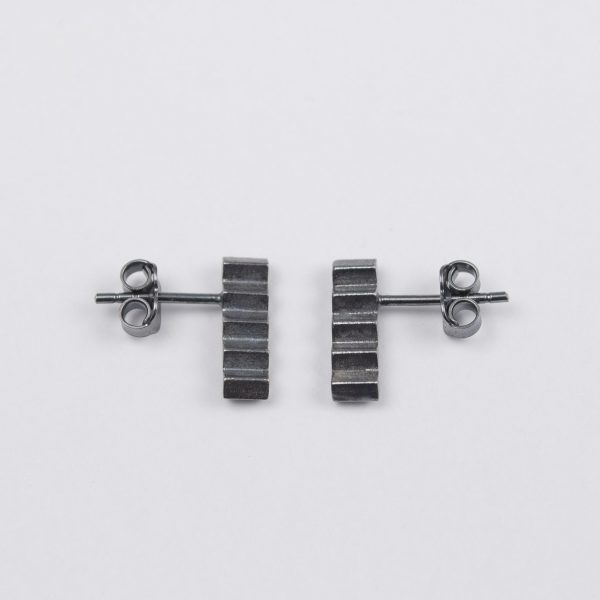 silver earrings with black patina side wiew