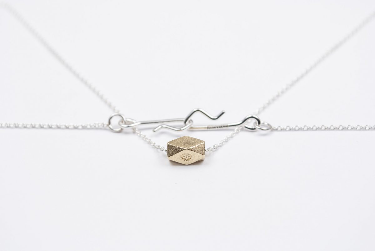 necklace etalon artefakti one 18 karat golden element size L. minimalistic look front view