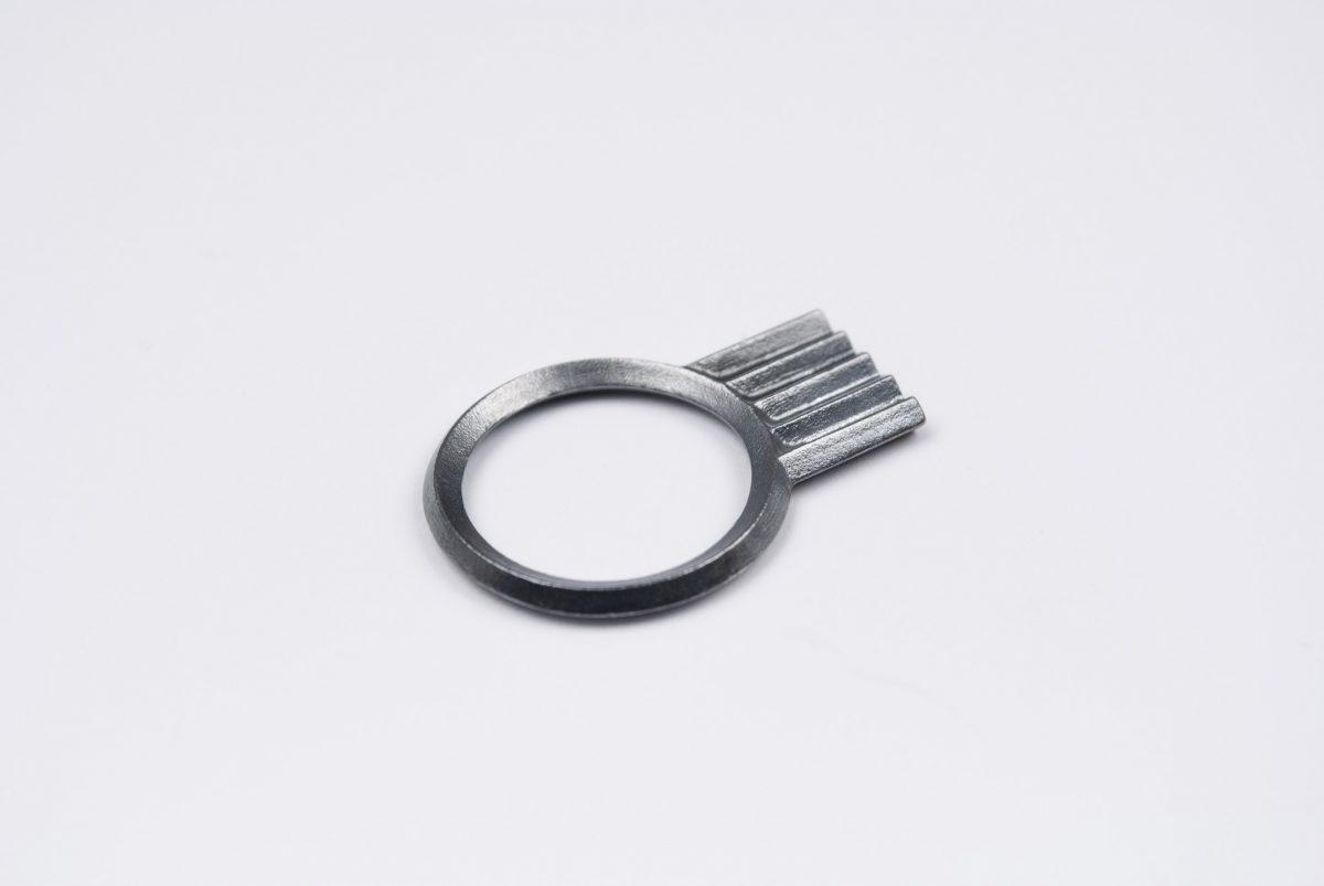 artefakti jewelry ring diagonal collection mini, silver black patina. side view